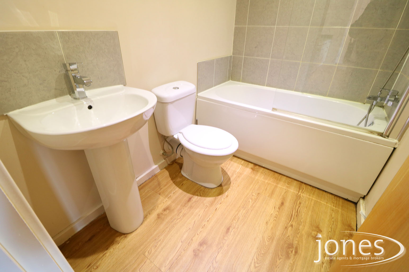 Home for Sale Let - Photo 08 Newport House, Thornaby on Tees, TS17 6SH