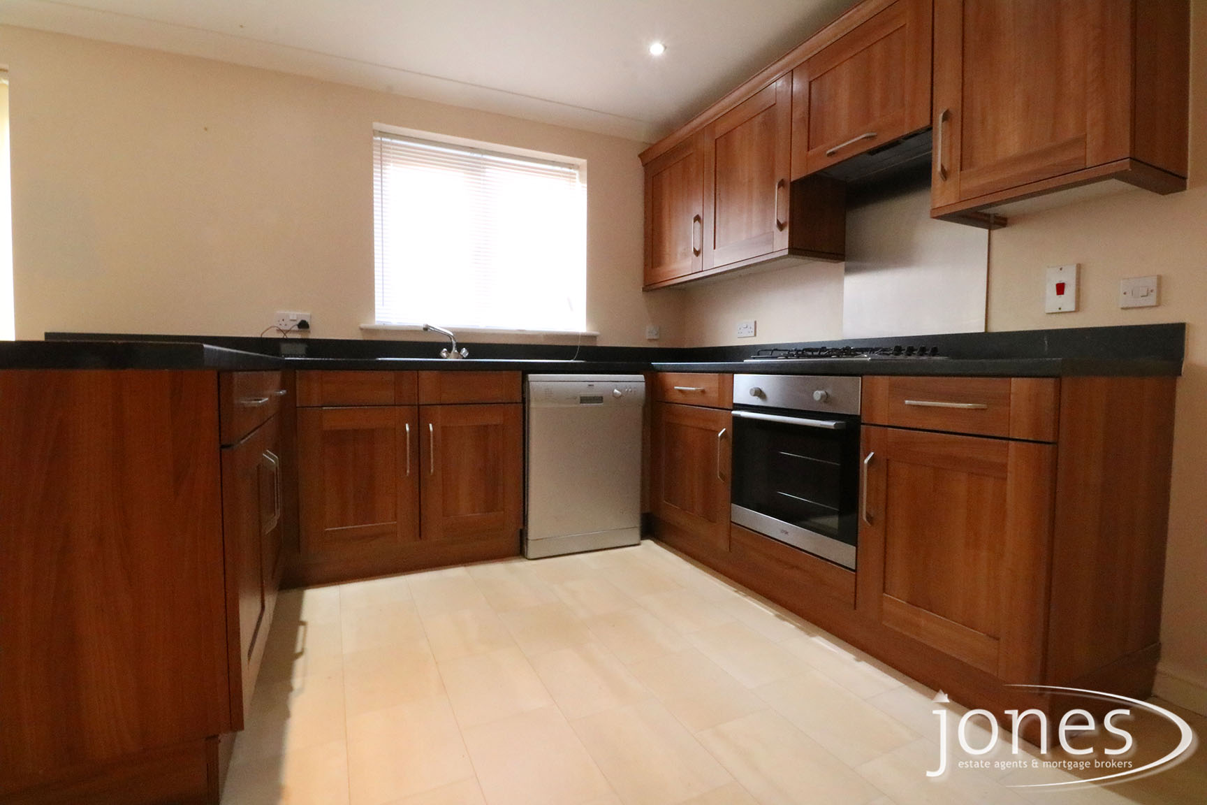 Home for Sale Let - Photo 03 Timothy Court, Stockton on Tees, TS18 3AU