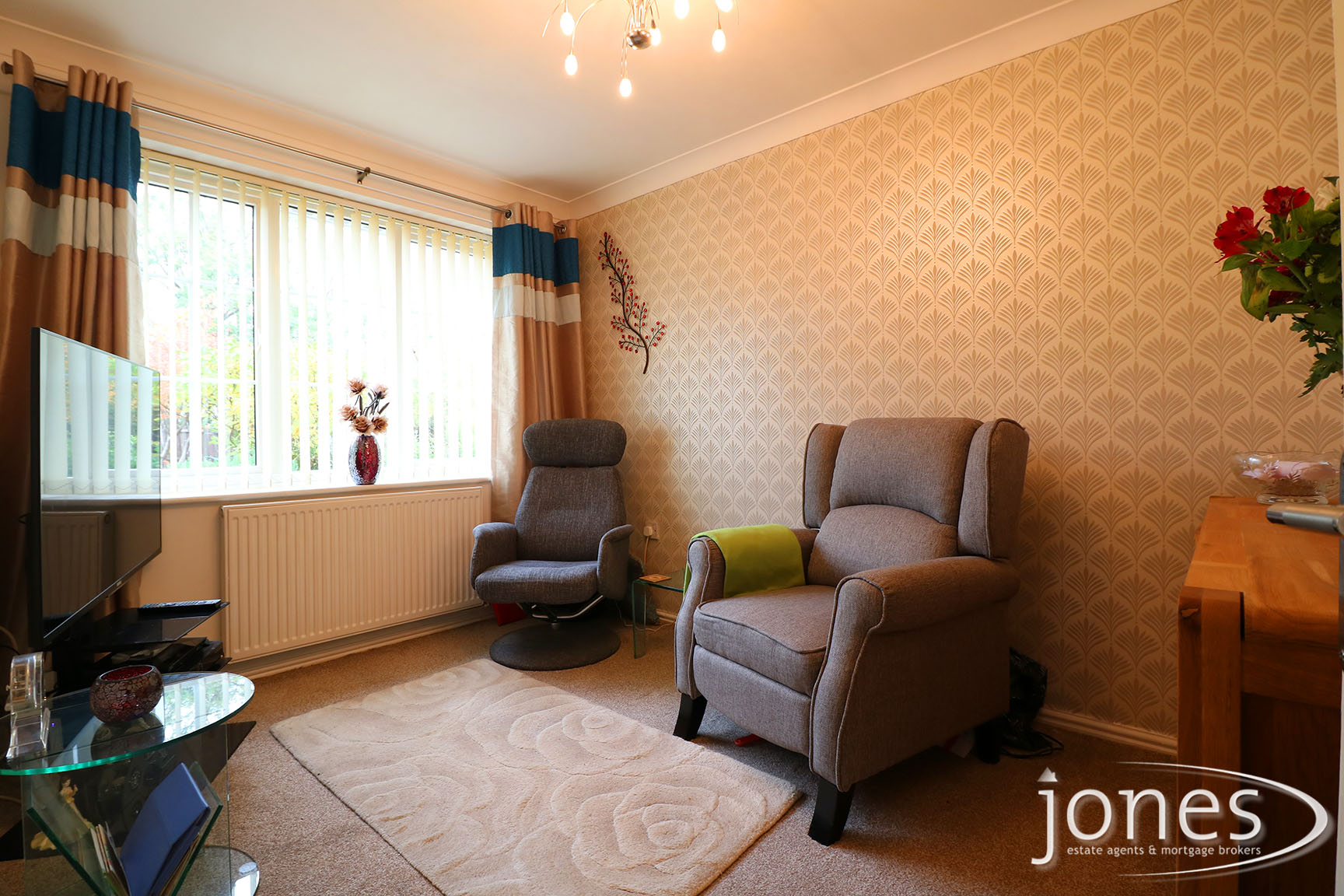 Home for Sale Let - Photo 03 West End Way, Stockton on Tees, TS18 3UA