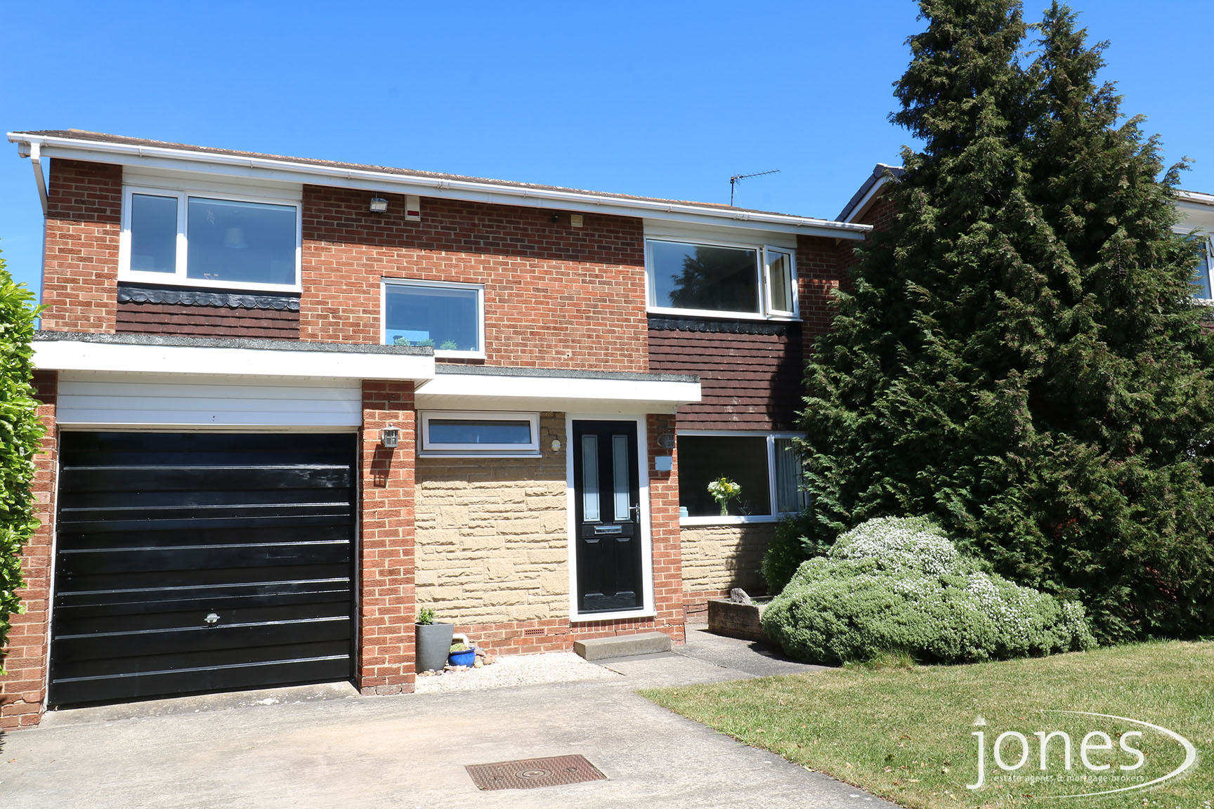 Home for Sale Let - Photo 01 Kielder Drive,Darlington,DL1 2BD