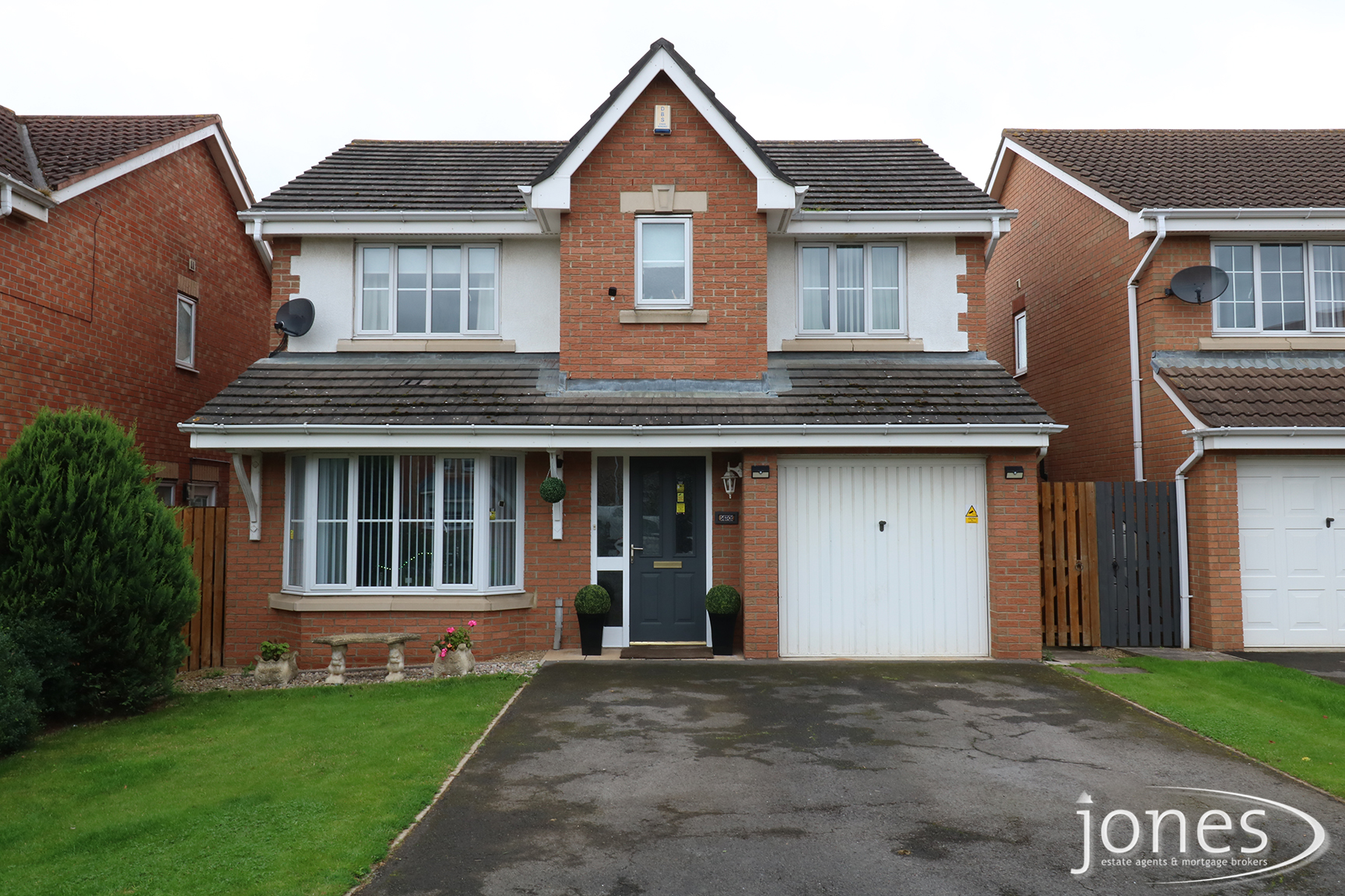 Home for Sale Let - Photo 01 West End Way , Low Hartburn,Stockton on Tees,TS18 3UA