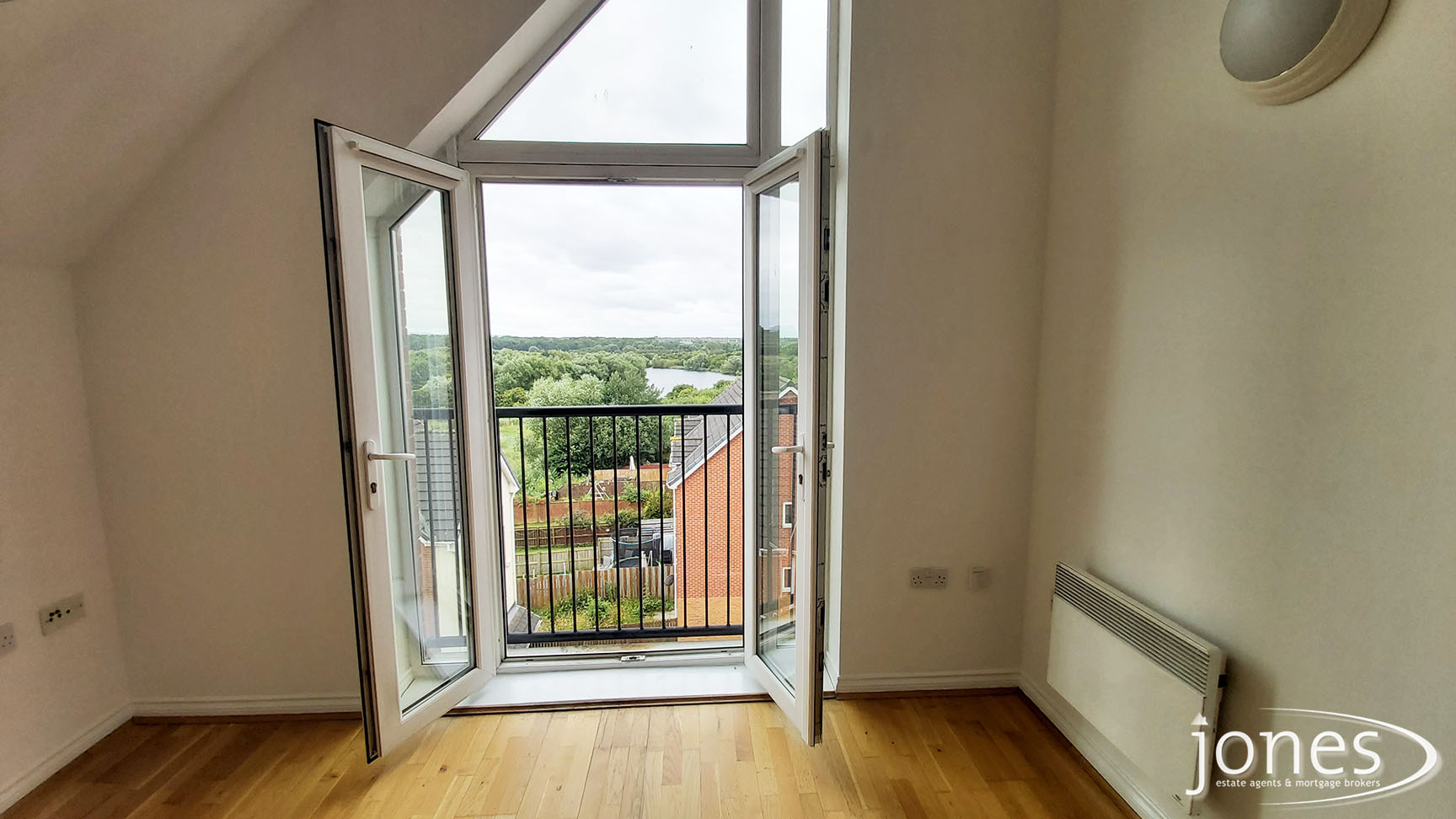 Home for Sale Let - Photo 03 Willow Sage Court, Stockton on Tees, TS18 3UQ