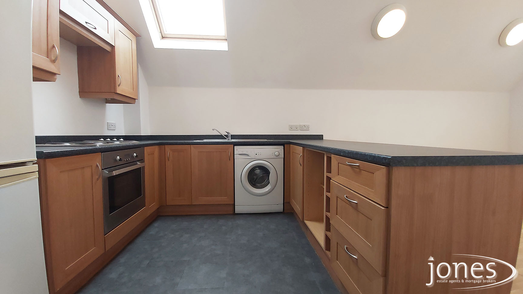 Home for Sale Let - Photo 04 Willow Sage Court, Stockton on Tees, TS18 3UQ