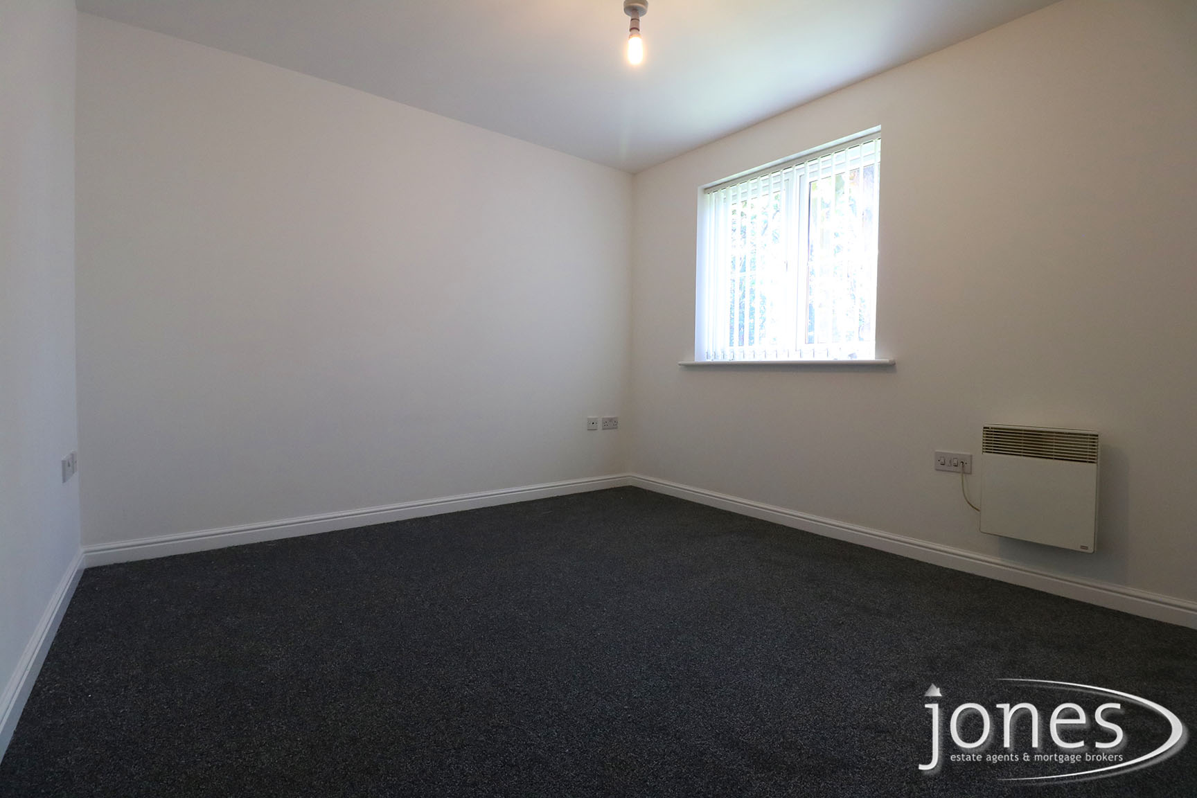 Home for Sale Let - Photo 05 Earls Court, Norton, Stockton on Tees TS20 2NP